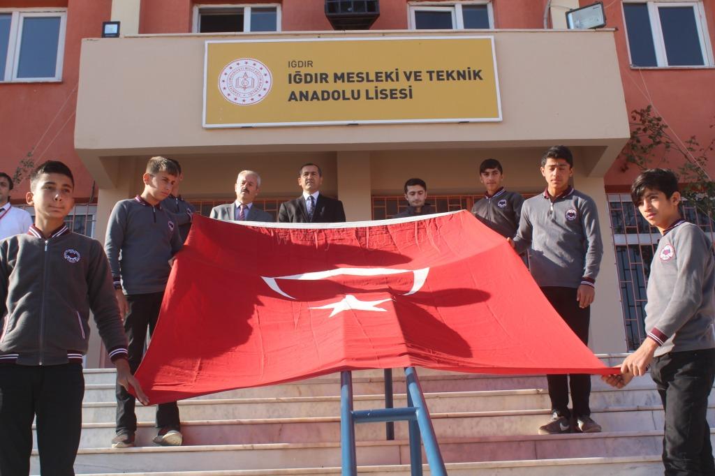Öğrencilerinden Barış Pınarı Harekatı'na destek