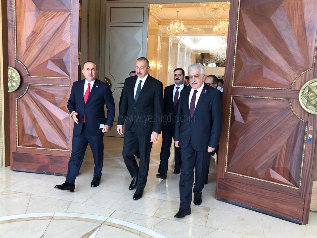 Dışişleri Bakanı Çavuşoğlu ve Milletvekili Ayrım Bakü'de