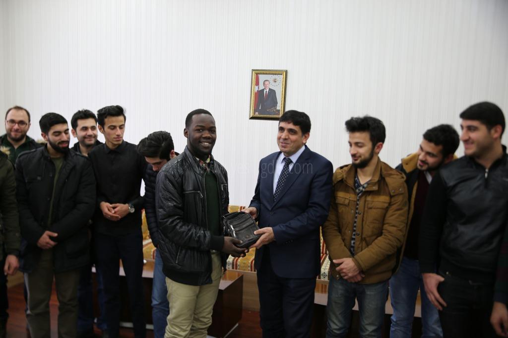 """""""Erasmus"""" Programı Kapsamında Üniversitemize Gelen Yabancı Uyruklu Öğrenciler Rektör Alma'yı Ziyaret Etti"""