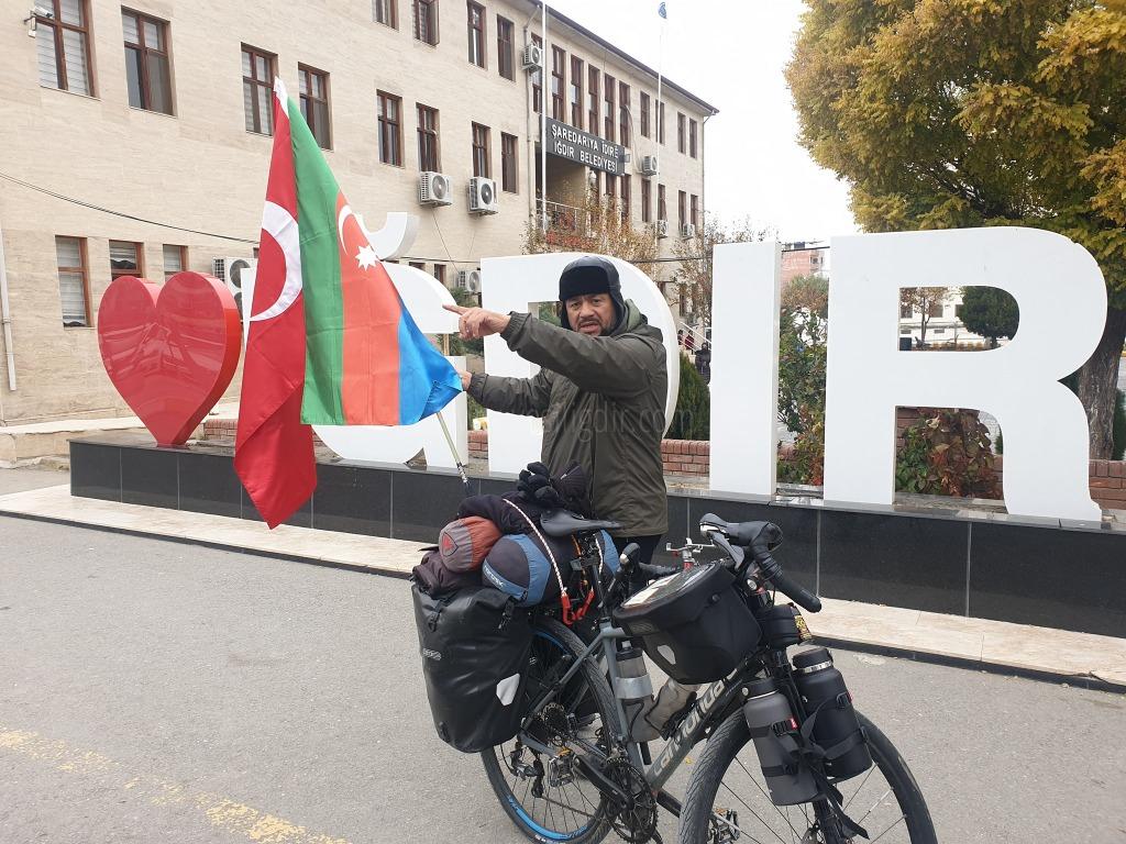 Almanya'dan lğdır'a bisikletiyle geldi..