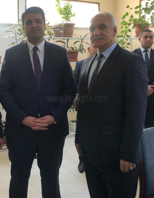 Iğdır Azerbaycan Dil, Tarih ve Kültür Birliği Derneği Başkanı Ziya Zakir ACAR'dan Nahçıvan Devlet Üniversitesi Elburz İSAYEV'e ziyaret.
