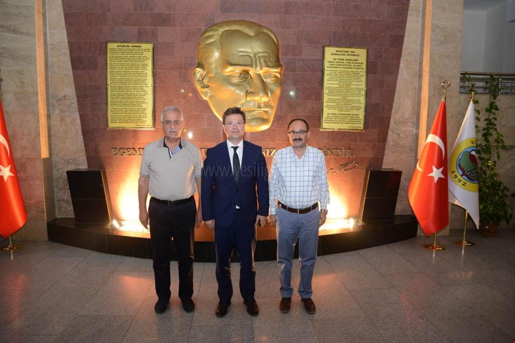 Bursa Milletvekilleri Muhammet Müfit AYDIN ve Osman MESTEN'den Vali Enver ÜNLÜ'ye ziyaret