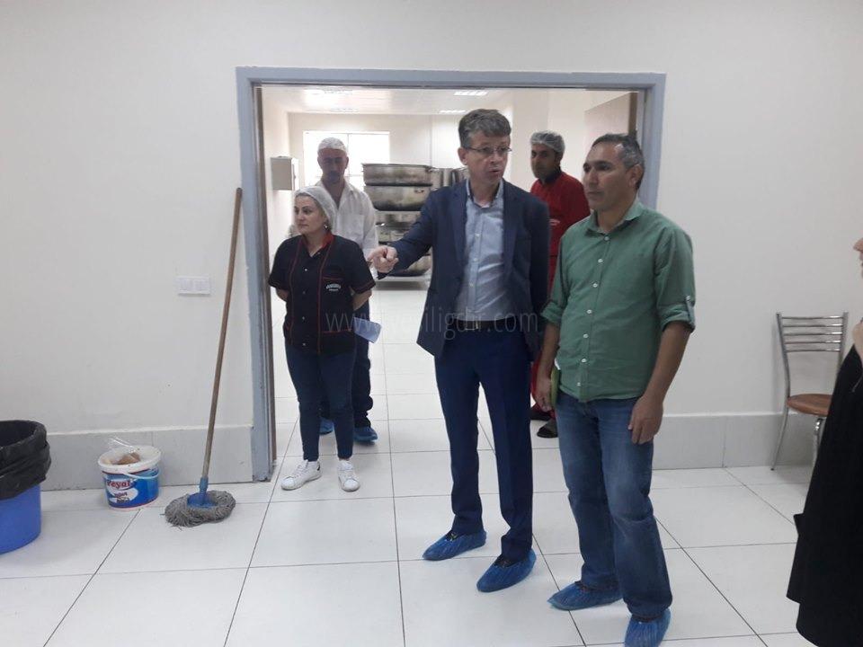 Rektör Yardımcısı Karavelioğlu, Mediko-  Sosyal Binasında İncelemelerde Bulundu