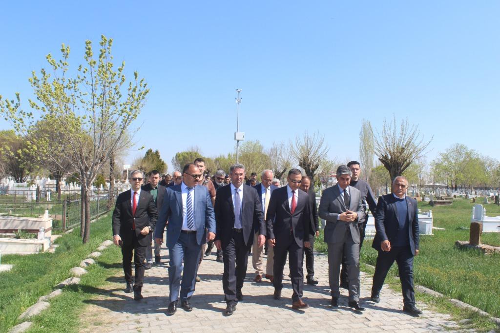 ŞEHİT POLİS VE ASKERLER UNUTULMADI