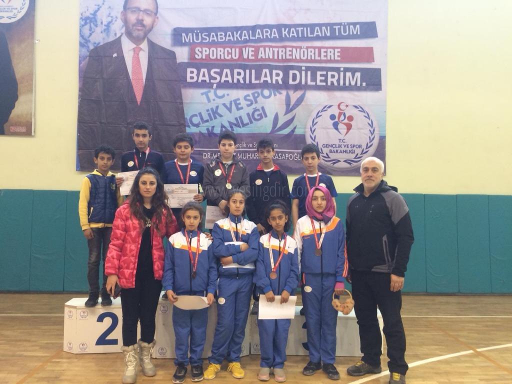 Anadolu Yıldızları Badminton Analig müsabakaları sona erdi