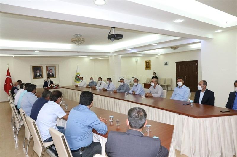 Vali/Belediye Başkan V. H. Engin Sarıibrahim Mahalle ve Köy Muhtarları İle Bir Araya Geldi