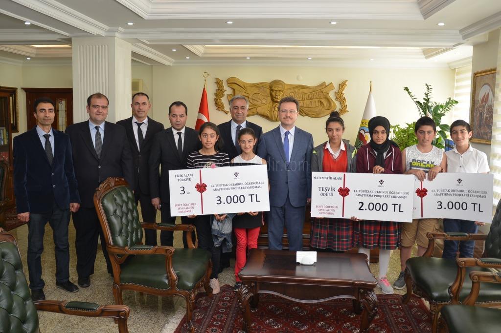 Tübitak Yarışmasında Dereceye Giren Öğrencilerden Ziyaret