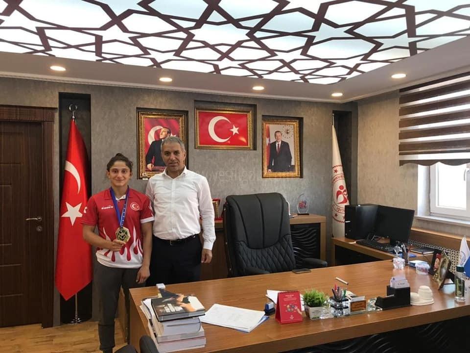 ÖZLEM YILDIZ'dan Altın Vuruş !
