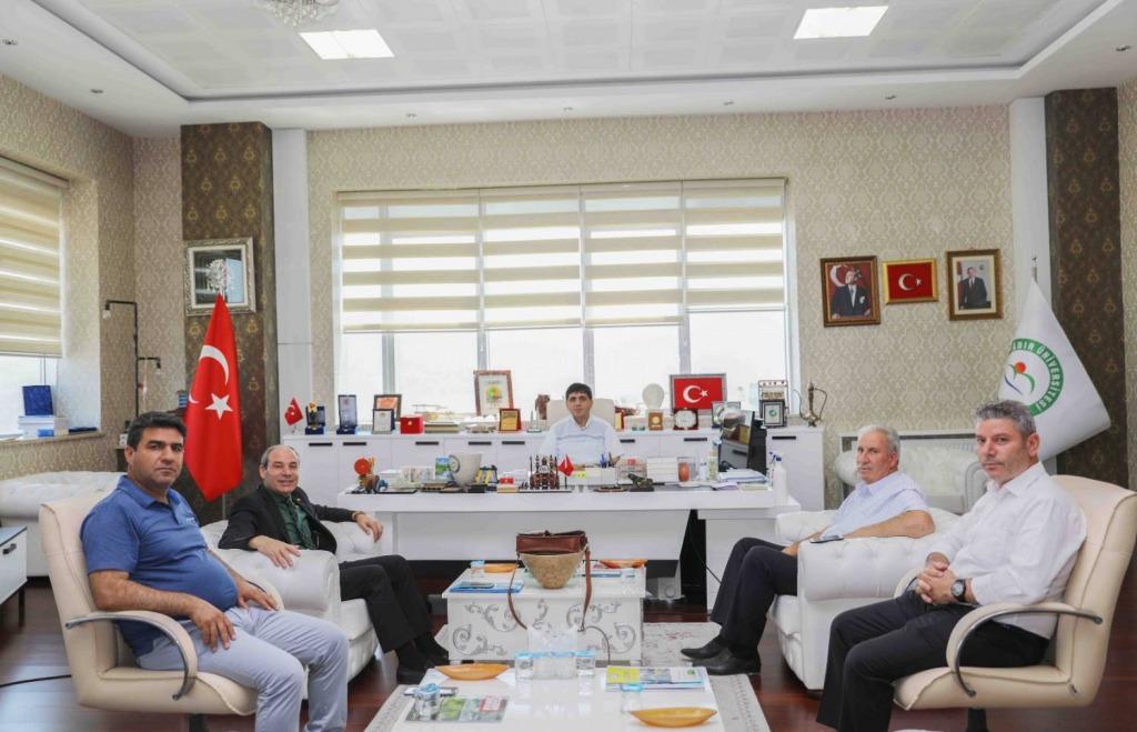 15 Temmuz Demokrasi Şehitleri, Gazileri ve Terör Mağdurları Derneği Rektör Alma'yı Ziyaret Etti