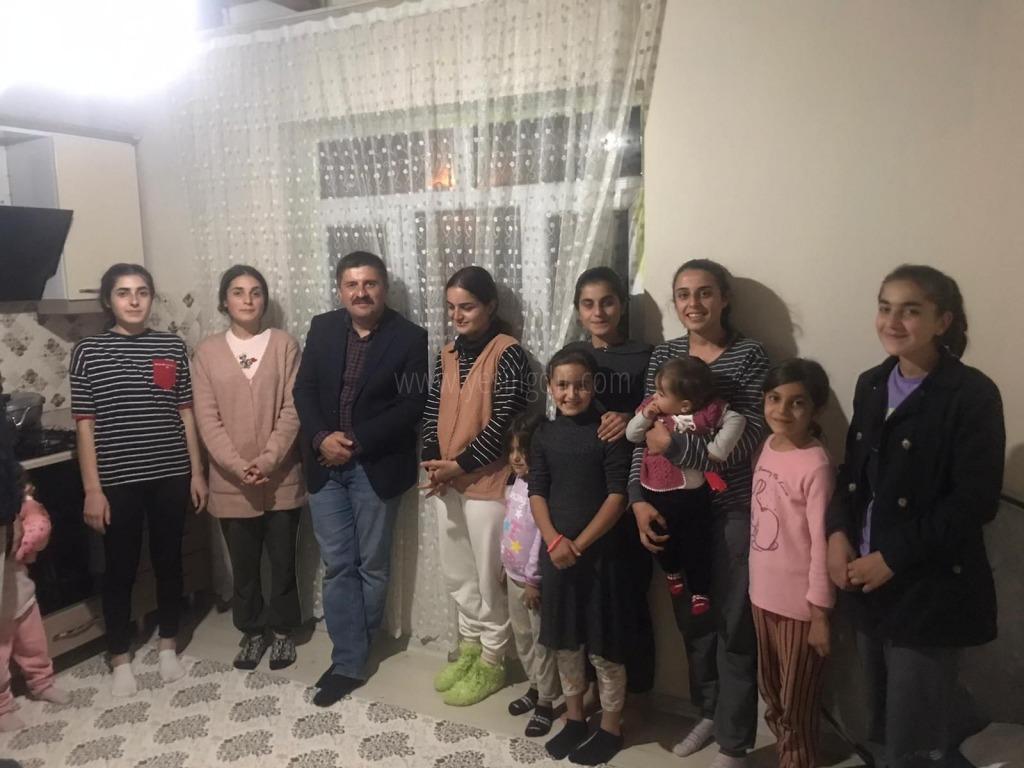 Kız kardeşlere  sürpriz ziyaret