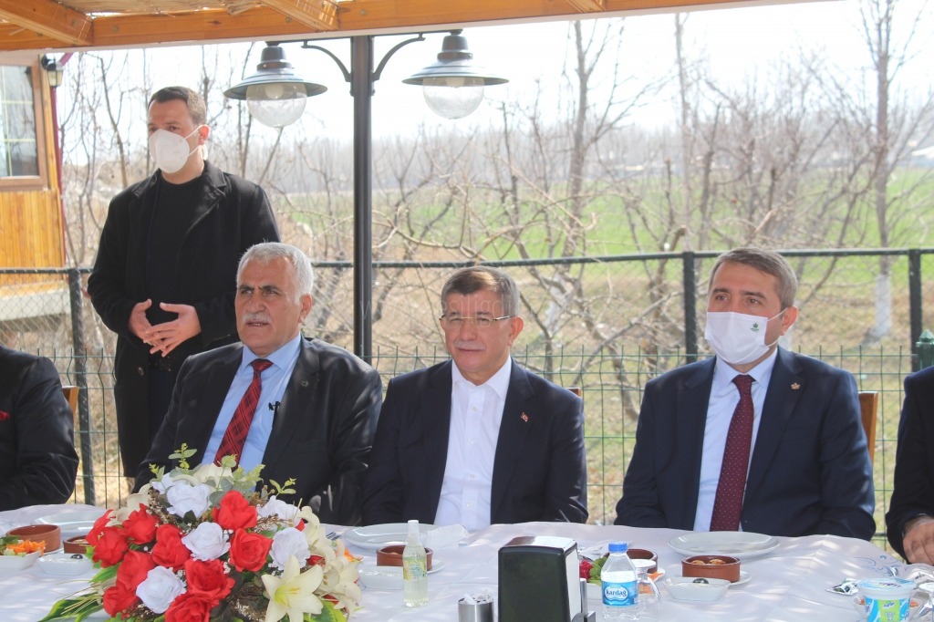 Gelecek Partisi Genel Başkanı Ahmet Davutoğlu, partisinin Iğdır 1. Olağan İl Kongresine katıldı