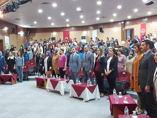 """KADINLARA YÖNELİK """"FİNANSAL OKUR YAZARLIK"""" SEMİNERİ"""