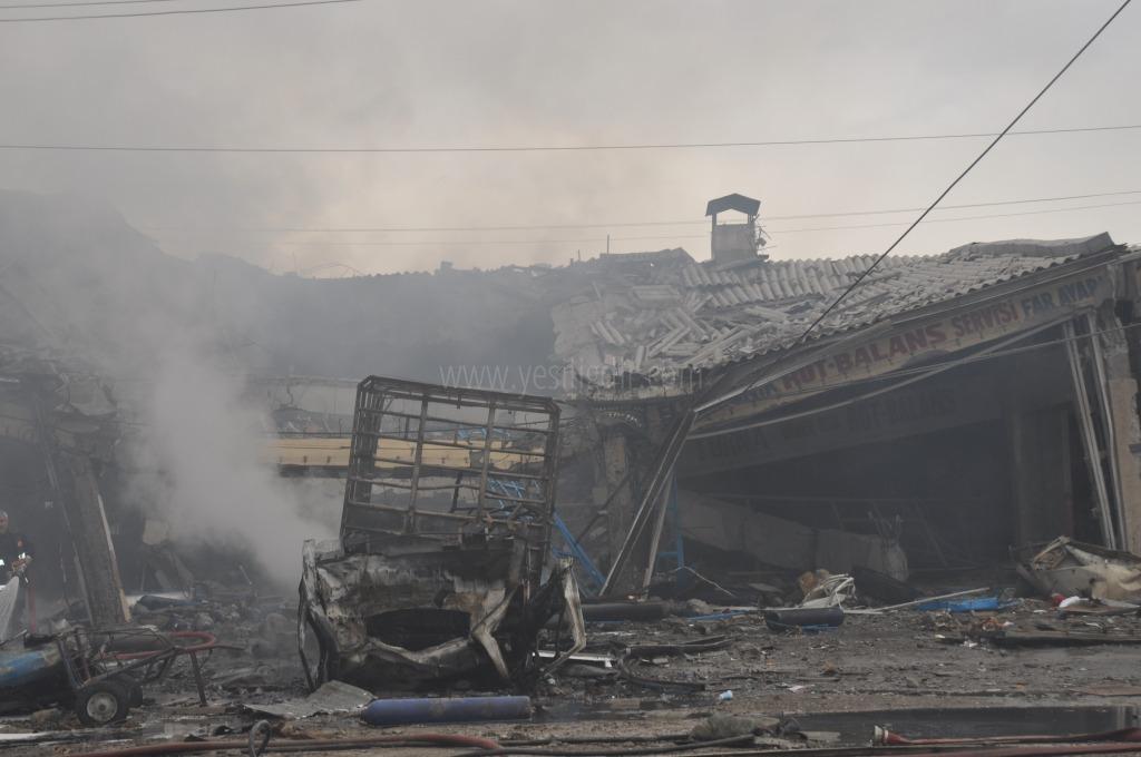 Sanayi Sitesinde Feci Patlama 1 Ölü, 14 Yaralı