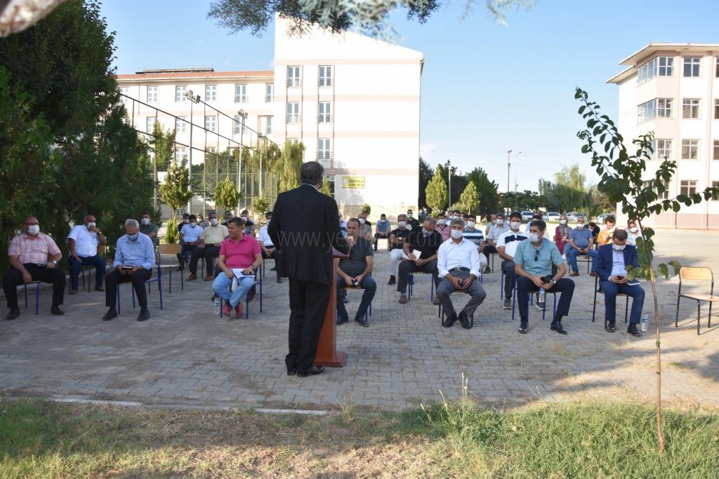 Milli Eğitim Müdürü Hakan Gönen Okul Müdürleri ile Toplantı Yaptı