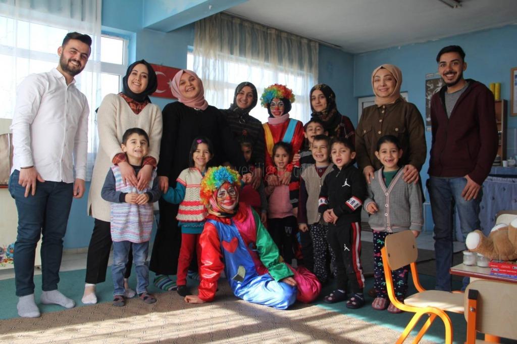 """""""Çocuksa Eğer Her Şeye Değer Topluluğu'' Minik Yüreklere Dokunmaya Devam Ediyor"""