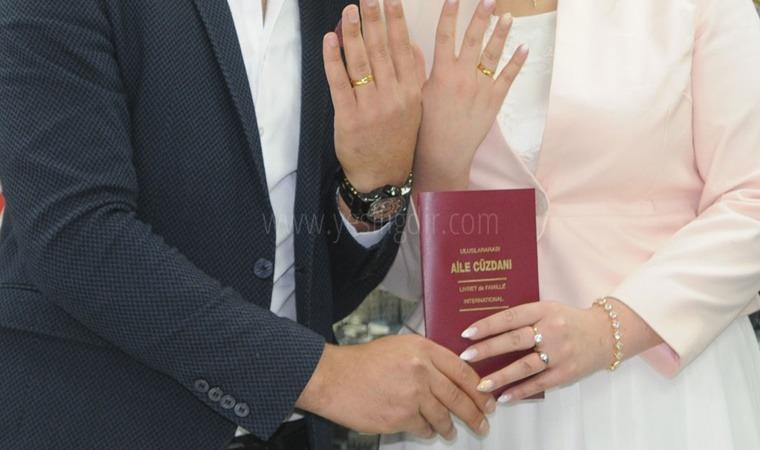 Evlenen çiftlerin sayısı 2020 yılında 487 bin 270 oldu