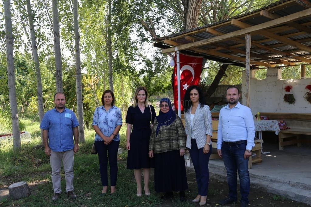 Hatice Sarıibrahim'den Şehit Ailesine Ziyaret