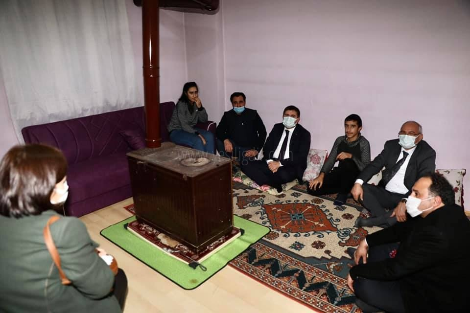 Vali/Belediye Başkan V.  H. Engin Sarıibrahim, Şengül ailesin Ziyaret Etti