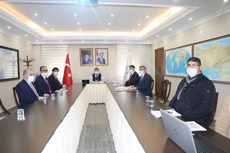 """Vali  H. Engin Sarıibrahim Başkanlığında """"Tuz Terapi Merkezi Değerlendirme Toplantısı"""" Gerçekleştirildi"""