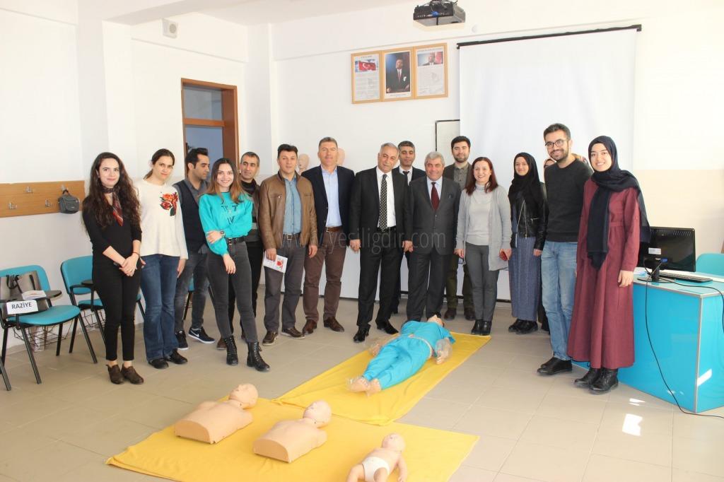 Hakan Gönen,70.Yıl Cumhuriyet Mesleki  ve Teknik Anadolu Lisesini ziyaret Etti