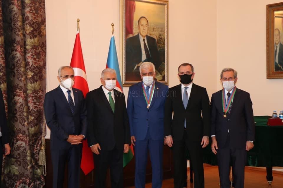 Ayrım'ın Dostluk Nişanı'nı, Dışişleri Bakanı Bayramov Takdim Etti