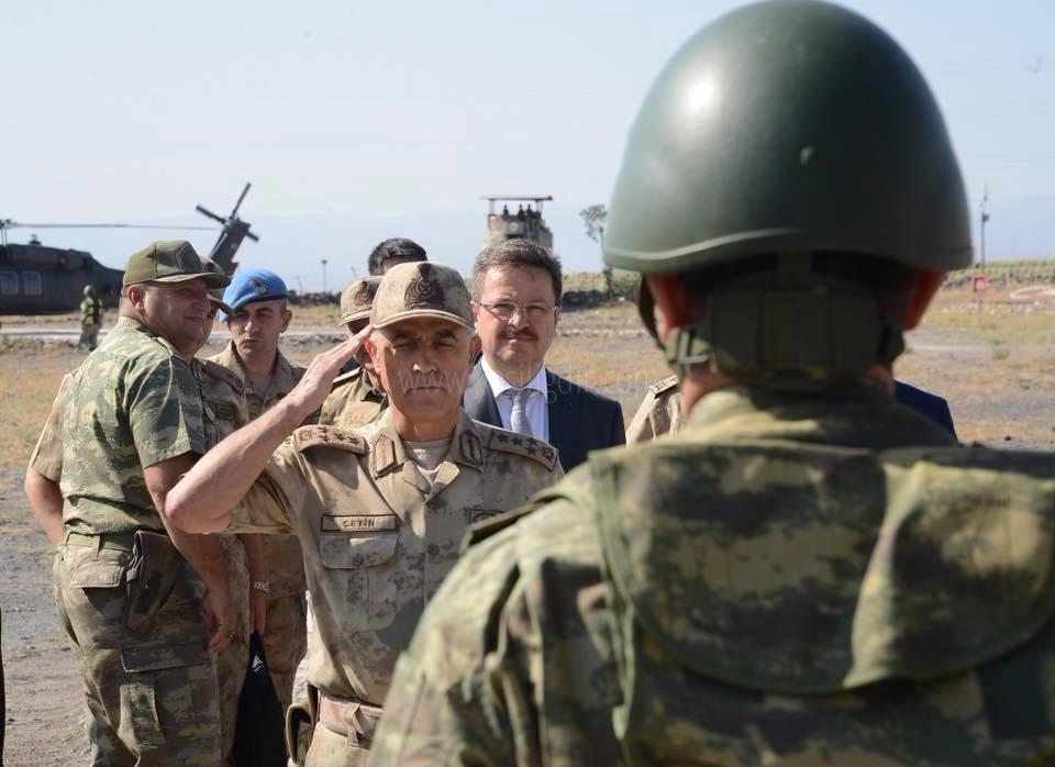 Orgeneral Arif Çetin,  Sınırı Denetledi