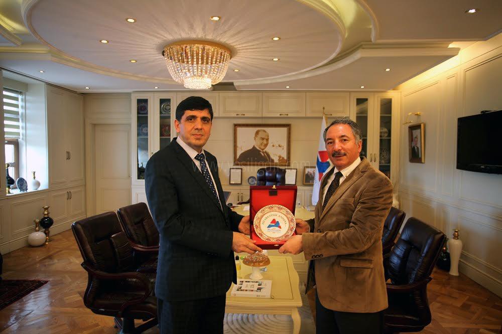 Rektör Prof. Dr. Alma Ağrı İbrahim Çeçen Üniversitesi Rektörünü Ziyaret Etti