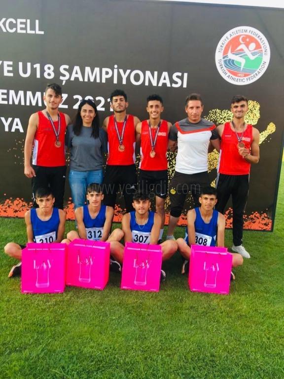 Bayrak Yarışında Erkek Takımımız Türkiye 3'üncüsü oldu.