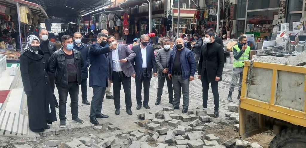 """Ak Parti İl Başkanı Ayaz"""" Rus Pazarını Ziyaret Etti"""