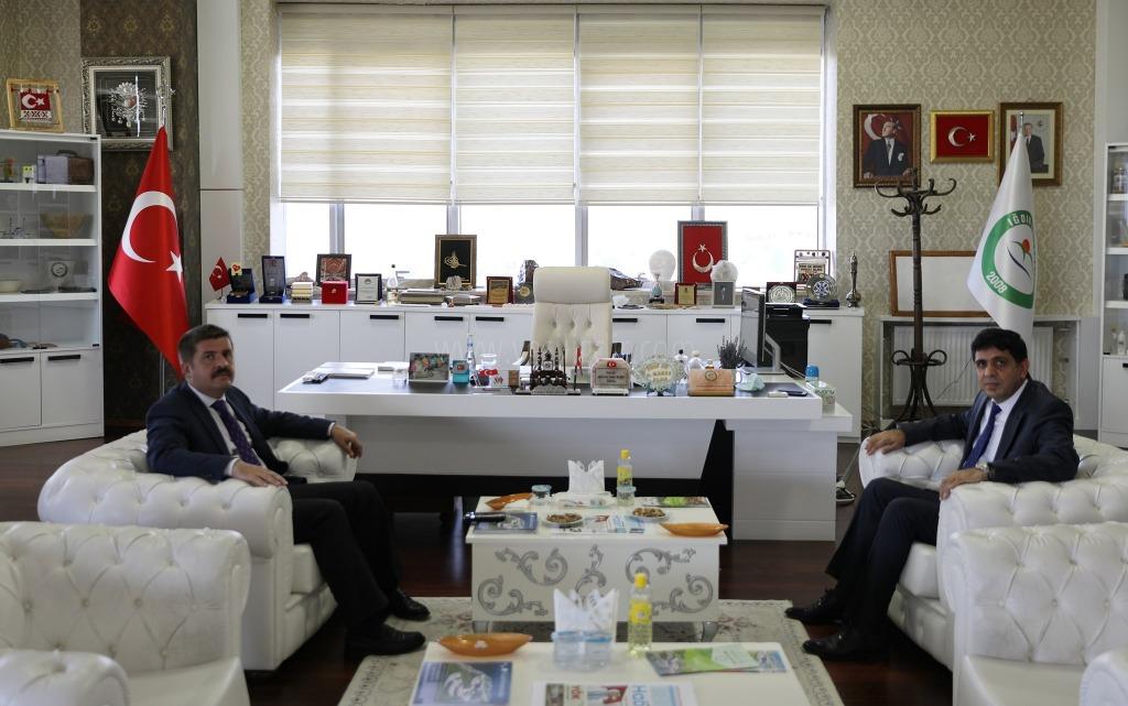 Vali H. Engin Sarıibrahim'den  Rektör Almaya Hayırlı olsun Ziyareti