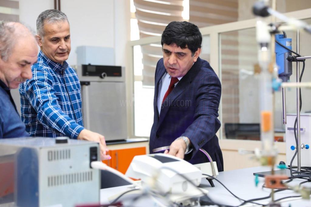 Rektör Alma Gıda ve Mikrobiyoloji Laboratuvarlarına Covid-19'a Karşı Ar-Ge Çalışması Talimatı Verdi