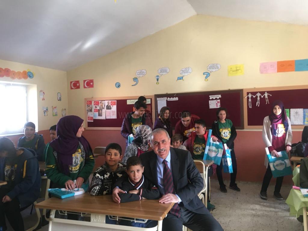Sosyal Bilimler Lisesinden Karaçomak köyüne yardım eli