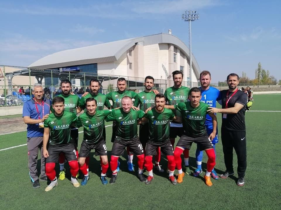 Iğdır Yurdum Gençlik spor kulübü hem Büyüklerde hemde alt yaş gruplarında Lige katılım sağladı.