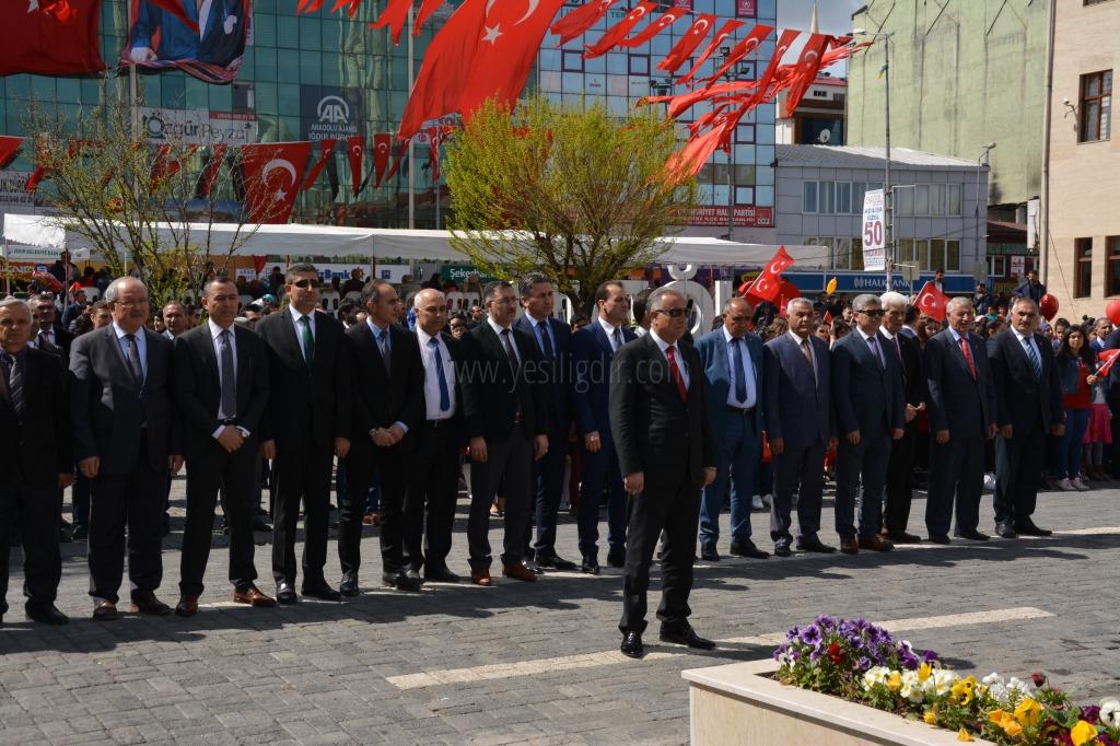 Iğdır'da, 23 Nisan Ulusal Egemenlik ve Çocuk Bayramı buruk kutlandı