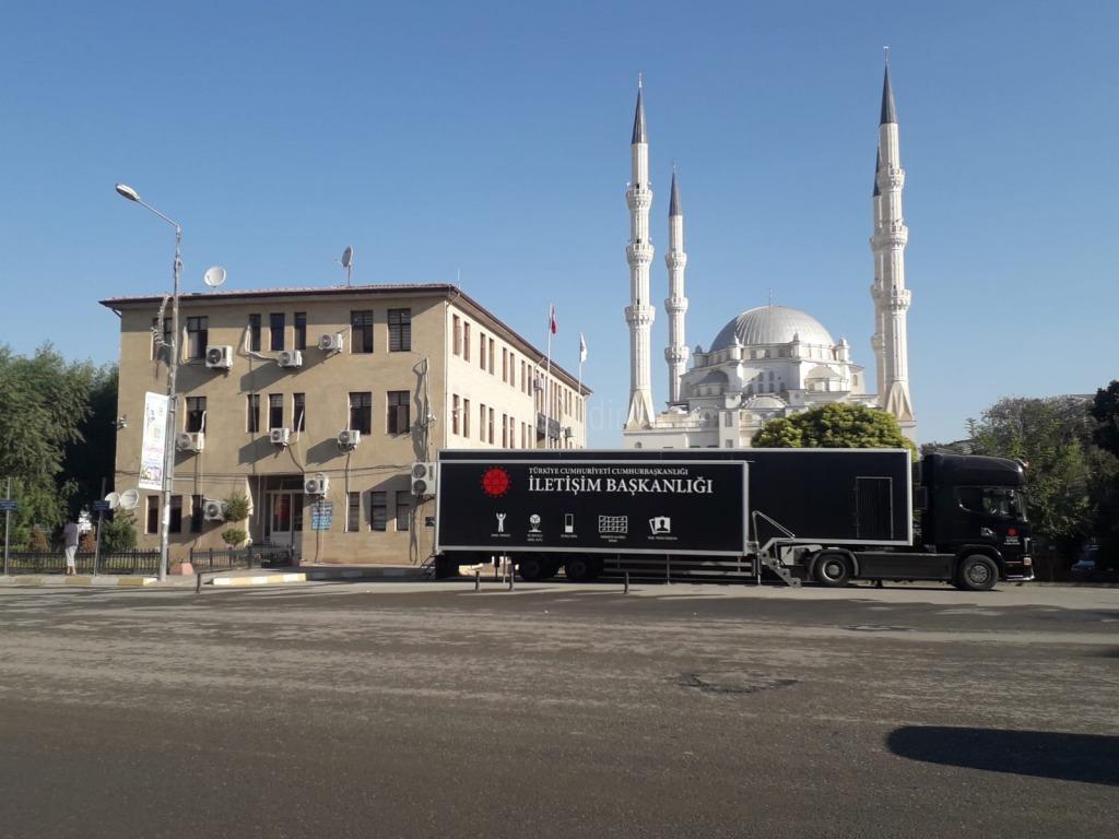 Cumhurbaşkanlığı İletişim Başkanlığı Dijital Tırı Iğdır'da ziyarete açıldı