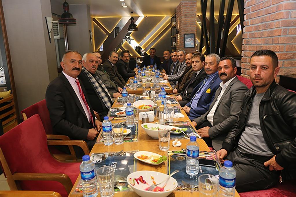 Başkan Yikit, Muhtarlar  İle Yemekte Bir Araya Geldi