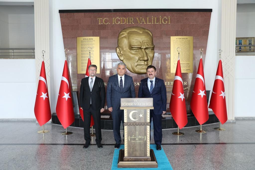 Türk Dil Kurumu Başkan Yardımcısı Prof. Dr. Feyzi Ersoy Iğdır Valiliğini Ziyaret etti