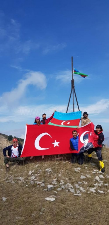 Karslı ve Iğdırlı dağcılar, Hocalı katliamı anısına Haça Dağı tırmanışı gerçekleştirecek