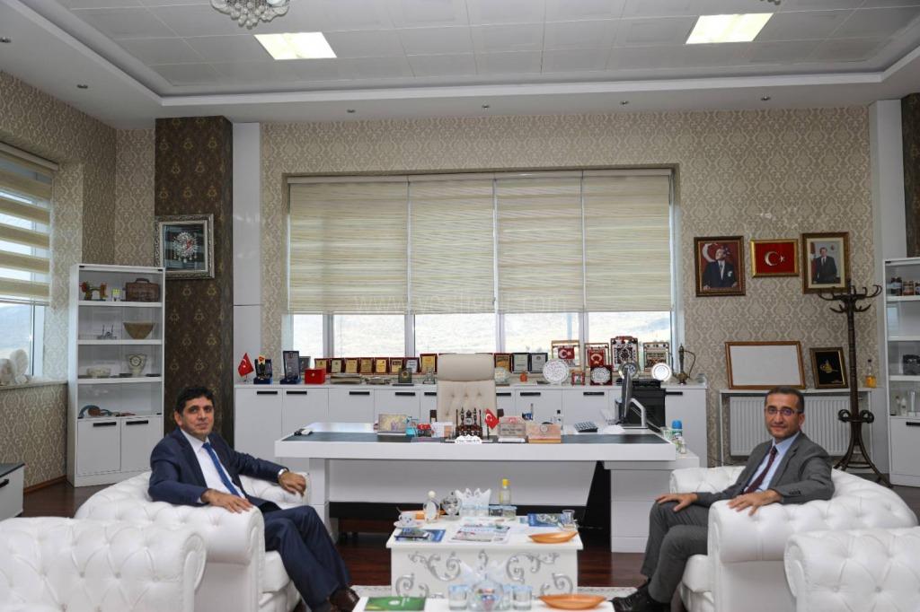 Iğdır Baro Başkanı Av. Serkan  Alakan'dan Rektör Alma'ya Ziyaret