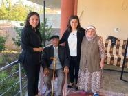 Sema Ünlü Yaşlı Çifti İkametlerinde Ziyaret Etti