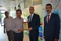 TOBB Başkanı İl Sağlık Müdürü Dr Alpaslan Erol'a Teşekkür Plaketi Verdi
