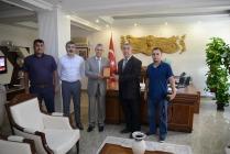 "TADDEF'DEN VALİ  AHMET TURGAY ALPMAN 'A ""DEMOKRASİ ""PLAKETİ"