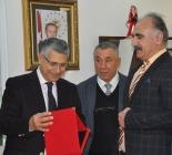 IĞDIR VALİSİ AHMET TURGAY ALPMAN'A PLAKET