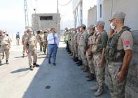 Vali H. Engin Sarıibrahim, Kahraman askerlerimi  ziyaret ederek bayramlaştı.