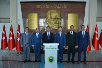 AZER ZEYNELOV VALİ ÜNLÜ'YÜ  MAKAMINDA ZİYARET ETTİ