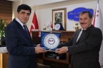 Iğdır İl Emniyet Müdürü Orhan Çevik Rektör Alma'yı ziyaret etti.