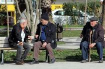 65 yaş üstü ve 18 yaş altı için devam eden sokağa çıkma yasağının kuralları değişti