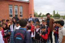 Iğdır Belediyesi 2019-2020 Eğitim-Öğretim  yılında Kırtasiye malzemesi dağıtıldı.