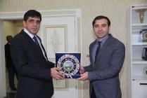 Iğdır Kamu Hastaneleri Birliği Genel Sekreteri Op. Dr. Kemal Eyvaz Rektör Alma' yı ziyaret etti