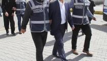 Bir akademisyen tutuklandı  9 polis ihraç edildi